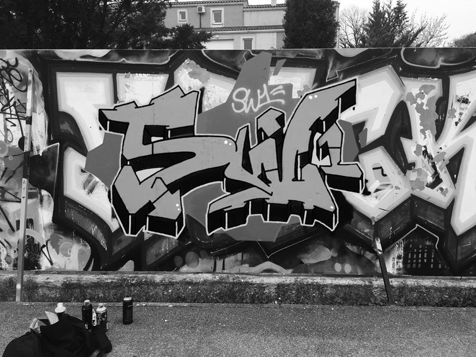 SW1 graffiti black and white